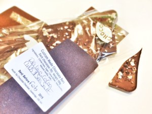 chocolat chocolat custom bars review - dark chocolate