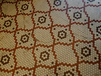 And these floors. Stay tuned. We are going to make these in our kitchen. Yesss!