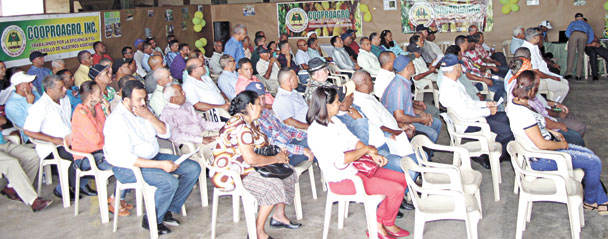 Vista parcial de los delegados de los diferentes distritos que conforman la Cooperativa de Productores Agropecuarios (Cooproagro).