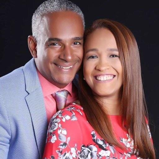 Pastores Enrique y Lili Terrero