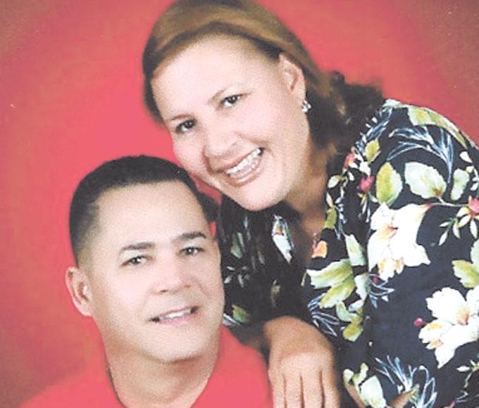 Estuvieron de aniversario de bodas los esposos Delcio y Yira. Con sus 30 años de unión matrimonial . Sus hijos y familiares de La Peña les desean una eterna luna de miel.