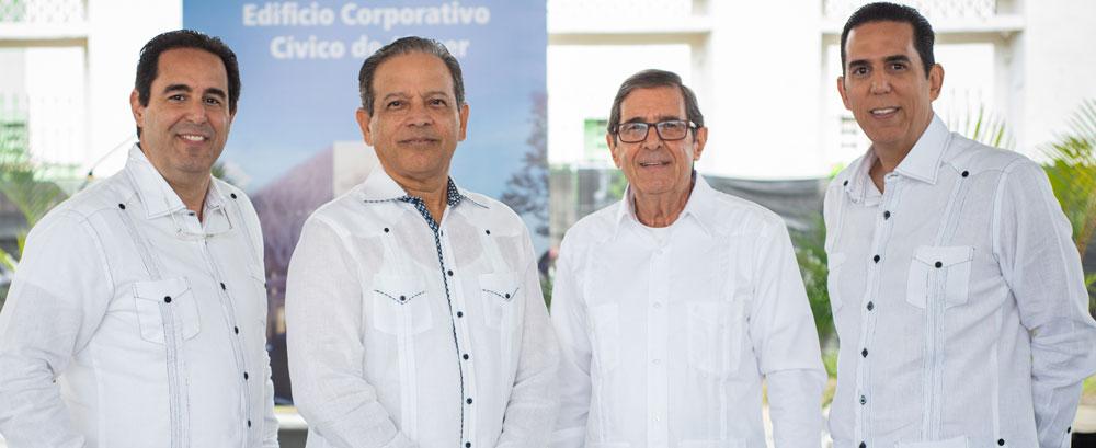 Ing. Ricardo Abreu, Arq. Gabriel Acevedo, Ing. César Abreu, Arq. César Abreu, hijo.