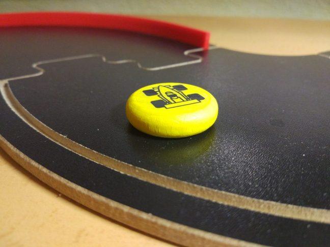 Ficha amarilla PitchCar