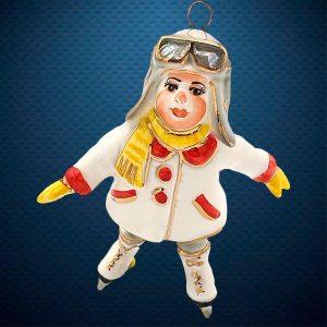 Керамическая елочная игрушка из серии Дети в костюмах Фарфоровая Мануфактура Девочка на коньках