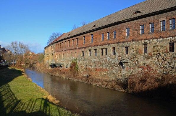 Gebäude-an-der-Saale