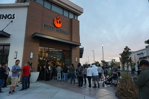 Fire Wings Delta Shores Draws Crowds At Grand Opening