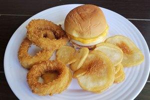 BurgerIM Opens Second Sacramento Restaurant