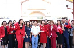 Samantha Tov, Judy Cuong, Mayor Steve Ly, Lan Zhang, Emma Hou right after cutting the ribbon at Grand Opening