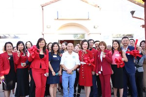 Samantha Tov, Judy Cuong, Mayor Steve Ly, Lan Zhang, Emma Hou right after cutting the ribbon at Grand Opening