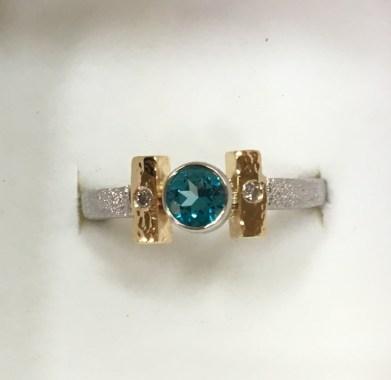 Topaz ring, 18k gold, .950 Palladium