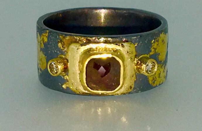 Realm ring, 22k gold, diamonds, 1.1 carat natural sanguine-red rose cut diamond