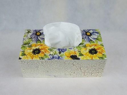 Pudelko na chusteczki - kwiaty