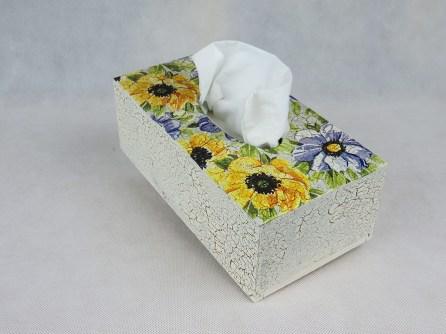 Pudełko na chusteczki - kwiaty
