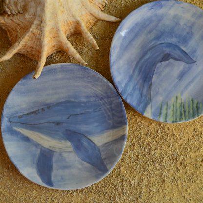 assiettes plates motif baleine