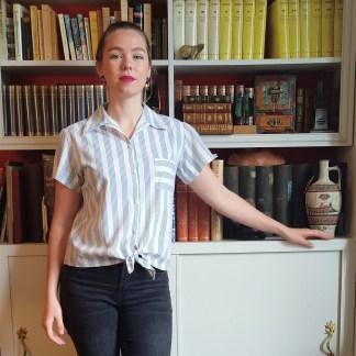 portrait chemisette blanche
