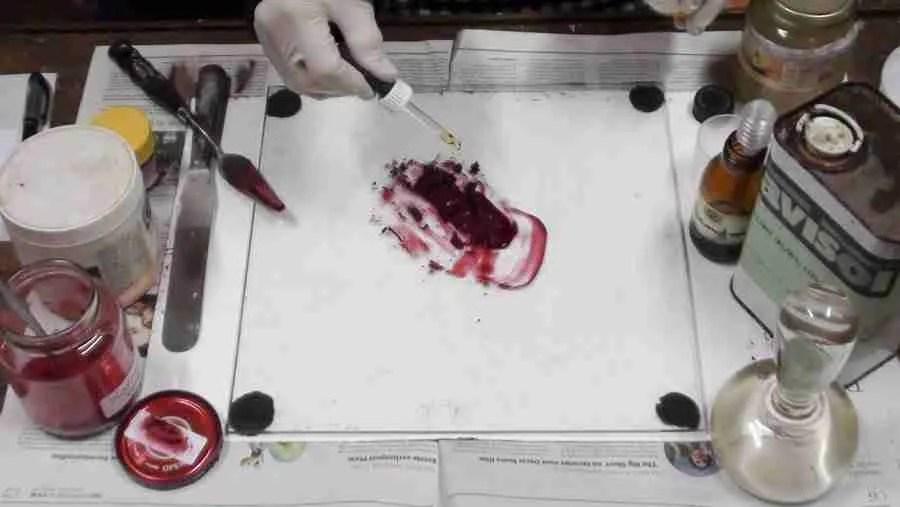 Karmijn rode olieverf maken