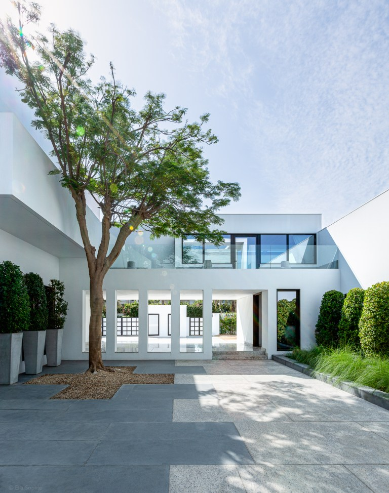 Luxury home shaded courtyard Dubai, by architectural photographer Ella Sophie