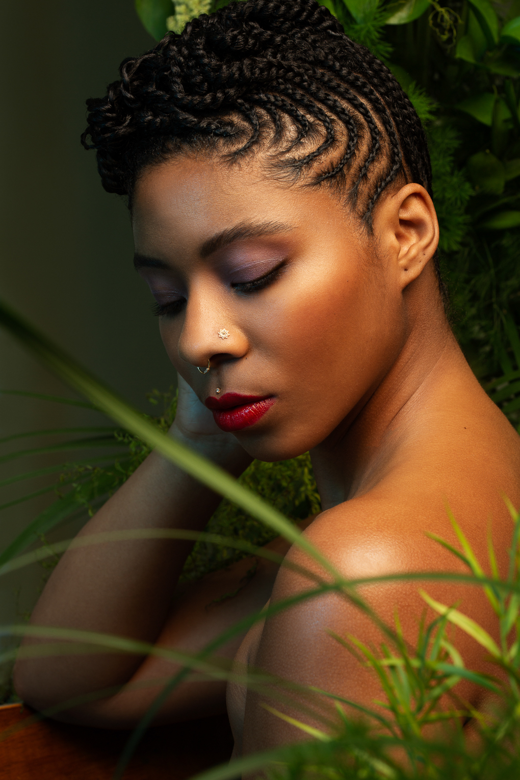Moody beauty portrait of black woman with red lips by Ella Sophie, commercial photographer for women