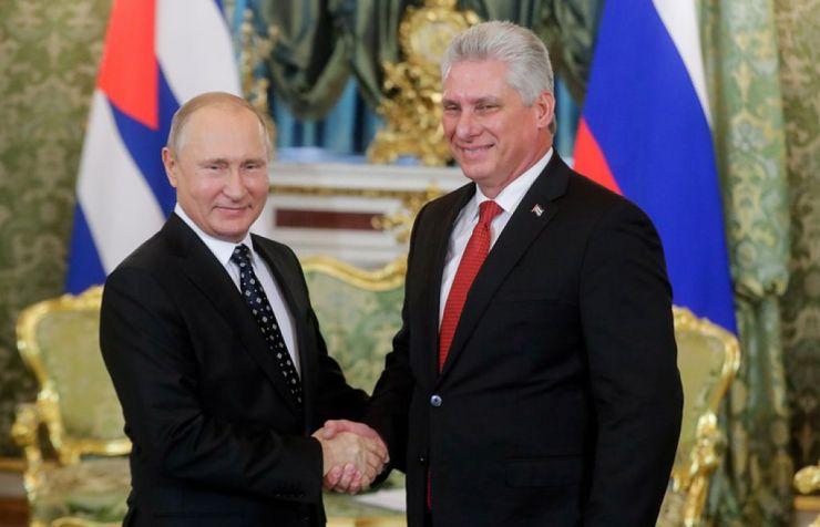 El nuevo presidente Miguel Díaz Canel da la bienvenida a Putin / El Latinaso Noticias