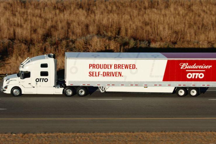 Auto Conducido, OTTO camiones que se conducen solos. El Latinaso Noticias