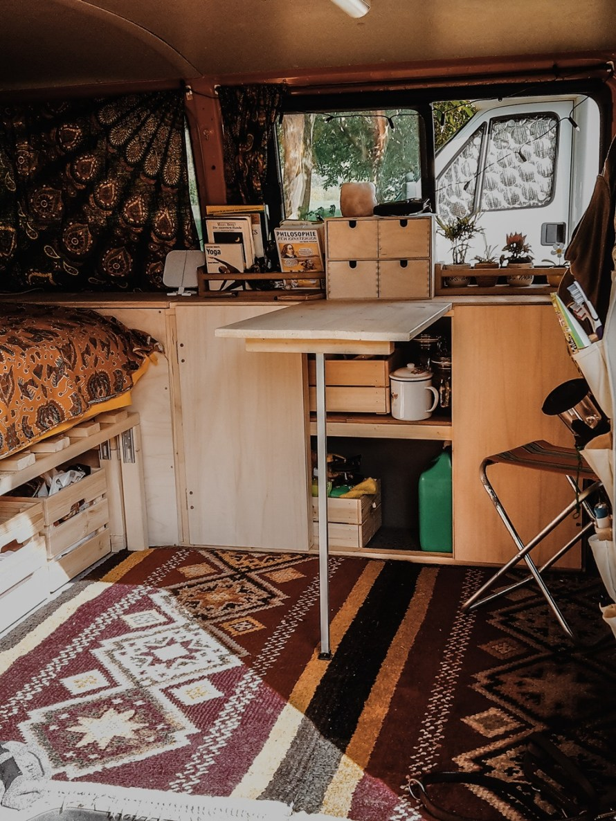 Vanlife DIY Campervan #pumpkinthevan from ellawayfarer