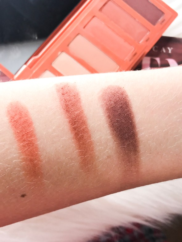 Naked Petite Heat Palette swatches. Perfect shades for everyday looks.