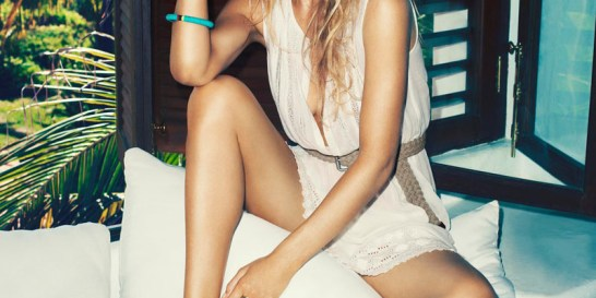 H σέξυ Ντούτζεν Κρόες ποζάρει για την H&M  Η εντυπωσιακή σταρ του μόντελινγκ φωτογραφίζεται με τις νέες καλοκαιρινές δημιουργίες του brand.