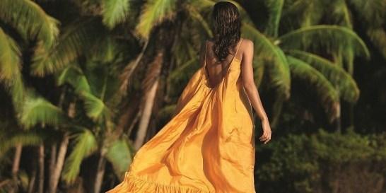 Walking on Sunshine: Μισή ώρα περπάτημα μπορεί να αλλάξει τη ζωή σας Καίει θερμίδες, θωρακίζει την υγεία, απελευθερώνει το μυαλό από τις σκέψεις και ηρεμεί σώμα και μυαλό.