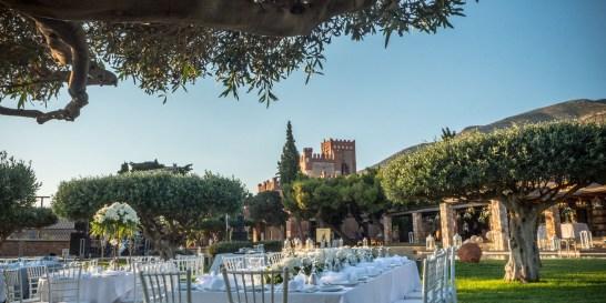 Εδώ ο γάμος σου θα μοιάζει όντως με παραμύθι Η InterCatering συνεργάζεται με τον Πύργο Μελισσουργού, έναν ξεχωριστό χώρο με ιστορία 350 ετών.