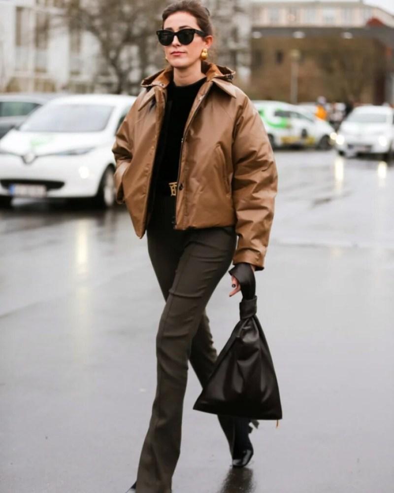 4 τρόποι για να κάνεις το puffer jacket αναπόσπαστο κομμάτι της καθημερινότητάς σου - εικόνα 1
