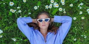 Η ζέστη είναι ανυπόφορη και οι διακοπές ακόμα μακριά: 10+1 αέρινα looks που θα μιλήσουν στην καρδιά σου!