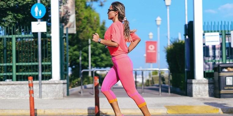 Όλα τα απαραίτητα για να ξεκινήσεις τρέξιμο τώρα #ELLERUN Συγκεντρώσαμε τα ρούχα και αξεσουάρ για το τέλειο sporty look. Έτσι εσύ θα ασχοληθείς μόνο με τις επιδόσεις σου.