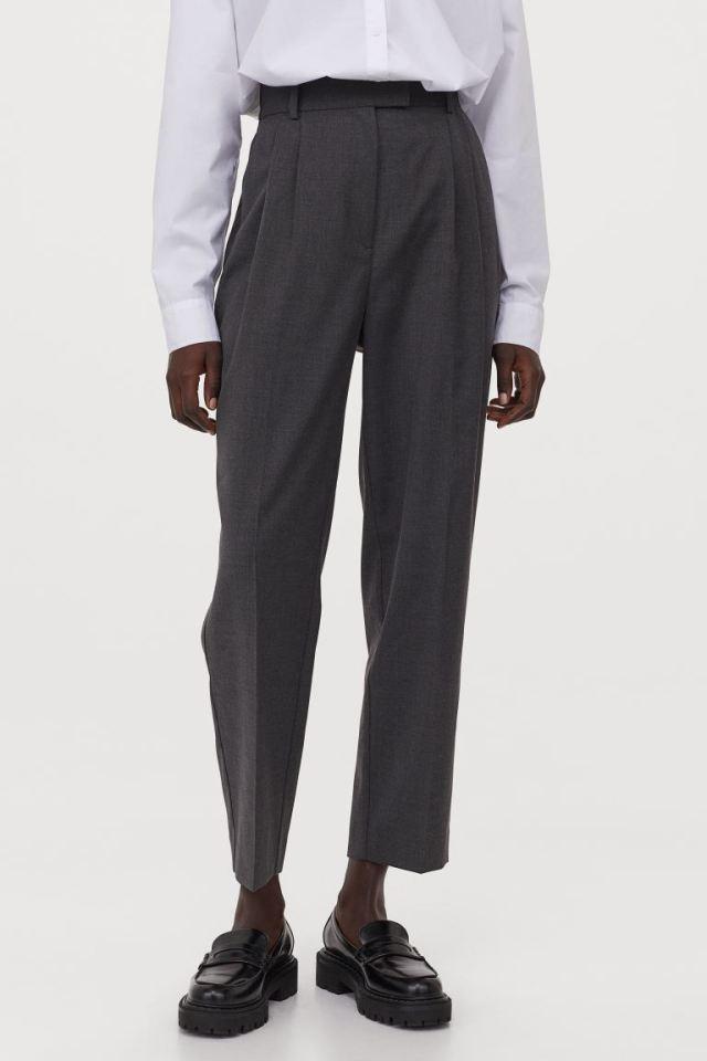 Ψηλόμεσο γκρι παντελόνι, Η&Μ.