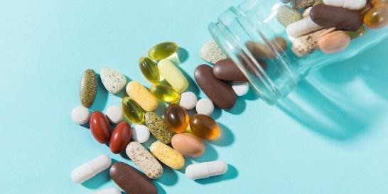 Οι πιο απαραίτητες βιταμίνες στα 30, στα 40, στα 50 και στα 60 σου Ποιες βιταμίνες έχουμε ανάγκη σε κάθε φάση της ζωής μας;