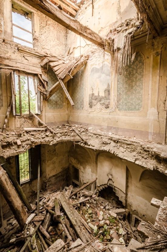 eingestürztes Haus