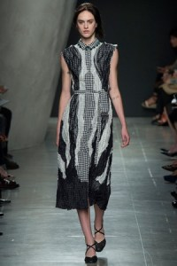 bottega-veneta-spring-2016-gingham-dress-profile
