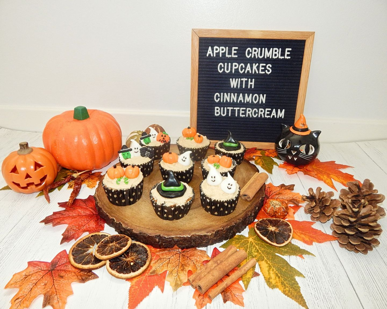Apple Crumble Cupcakes | Halloween!