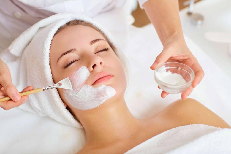 woman receiving facial at medical spa atlanta ellemes medical spa