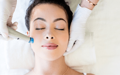 woman receiving hydrafacial dunwoody medical spa