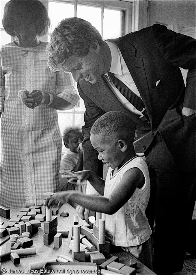 Robert Kennedy visits a school near Greenville, Mississippi, during a trip to the Delta in 1967. Kennedy was in Mississippi for U.S. Senate hearings on poverty. Photo used by permission of Jim Lucas Photography.