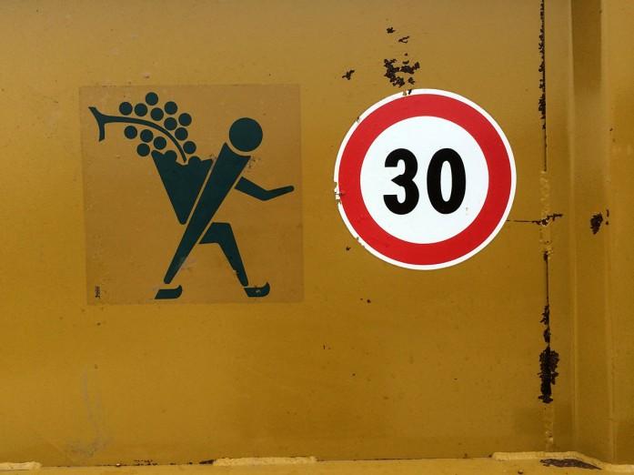 harvest signs container Tartegnin_300914