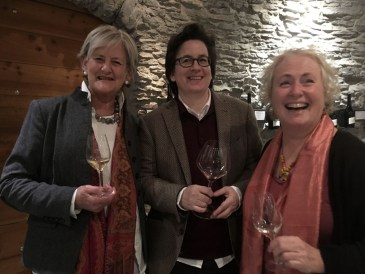 Sue Style and Chandra Kurt, 2 food and wine friends who made the Cayas tasting that much more fun.