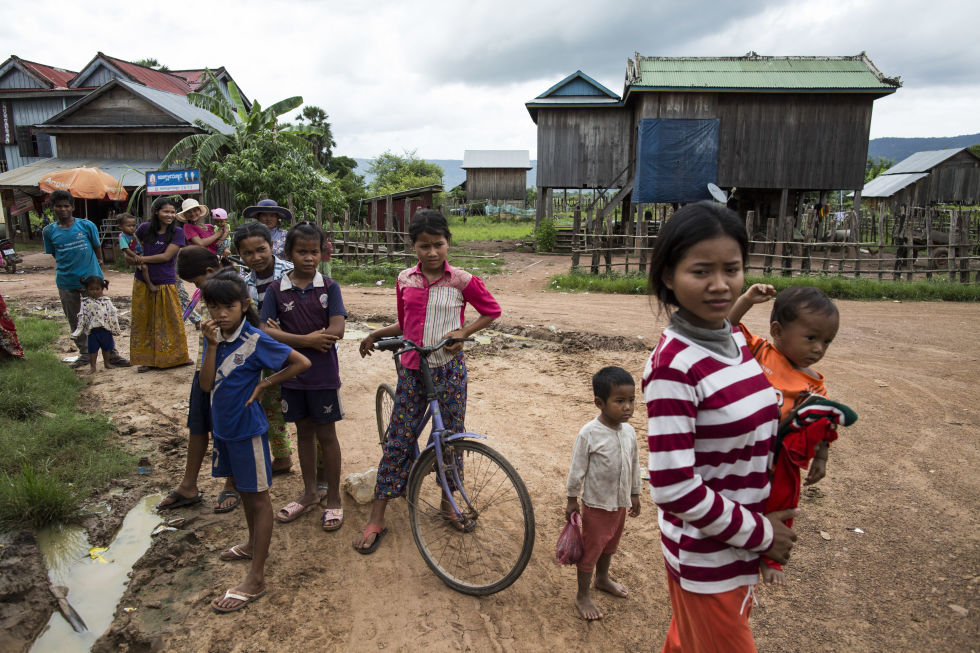 Cambodian teenagers, a contrast in extremes | ELLE UK