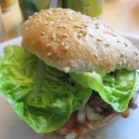 Koldhævede burgerboller med grahamsmel ‒ gæsteindlæg