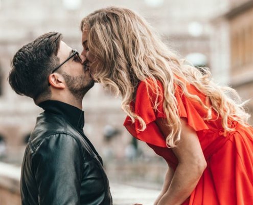 kissingday