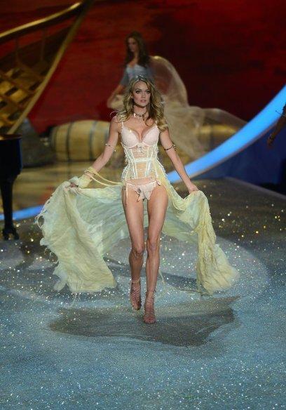 Victoria-Secret-Fashion-Show-2013-Pictures (31)