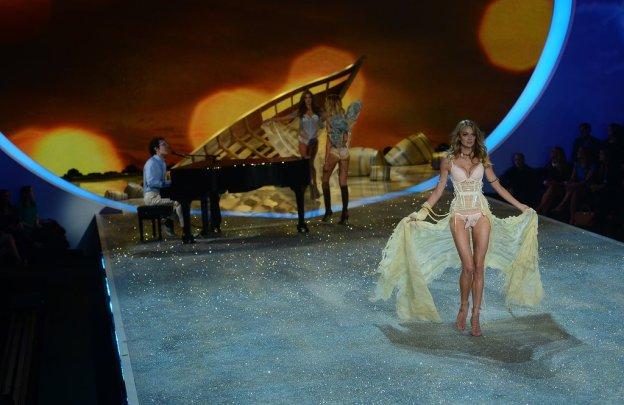 Victoria-Secret-Fashion-Show-2013-Pictures (44)