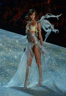Victoria-Secret-Fashion-Show-2013-Pictures (45)