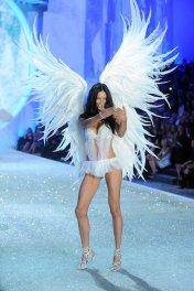 Victoria-Secret-Fashion-Show-2013-Pictures