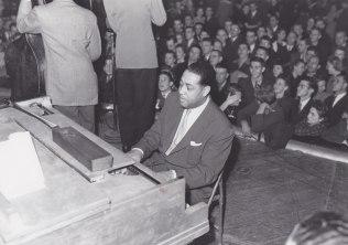 Duke in Fargo - At the piano